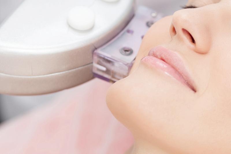 日帰り手術治療(ほくろ、粉瘤)・光線治療対応